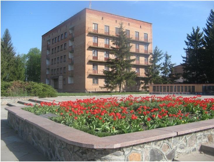 Професійно-технічне училище – 46 с.Лазірки